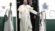 Su primera actividad en África, el Papa pidió promover modelos