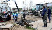 La basura de los vecinos es la que tapa los canales y desagües de Neuquén