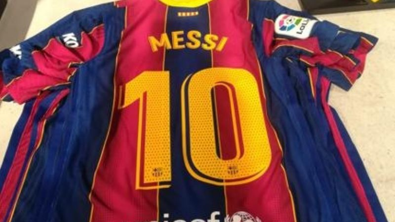 Video: Messi presentó la nueva camiseta del Barcelona